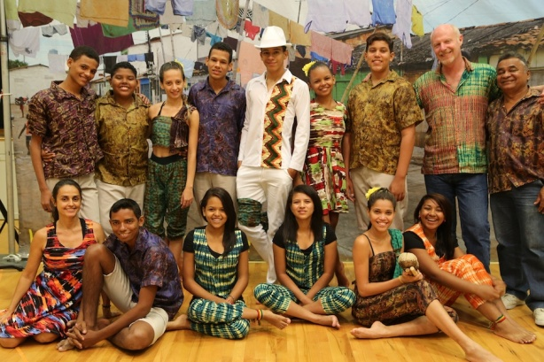 The 'Let Our River Pass!' company of twelve young artists, arts educators and embassadors of a living and sustainable Amazon, from the Afro_indigenous community of Cabelo Seco, who toured schools and cultural centres in Connecticut, New Jersey and New York between 17 April and 4 May, 2015.